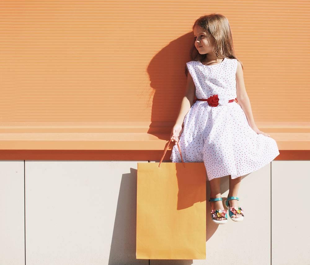 pige der har shoppet